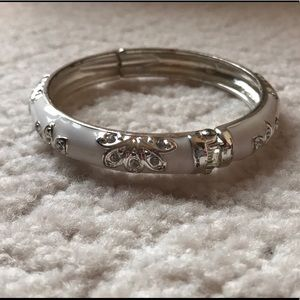 Jewelry - white and silver snap bangle